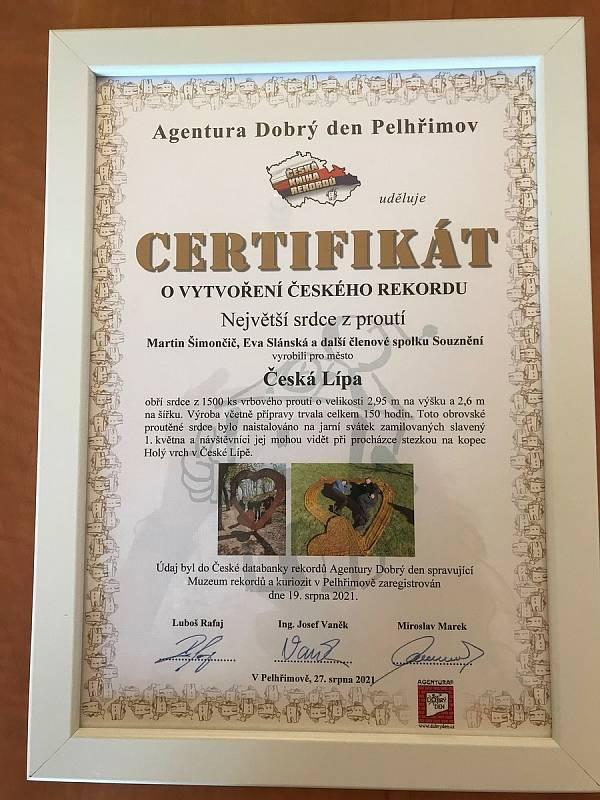 Největší srdce z proutí mají v České Lípě