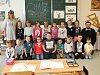 Žáci 1. A ze ZŠ a MŠ Jižní Česká Lípa s paní učitelkou Monikou Dvorskou a ředitelem Janem Policerem.