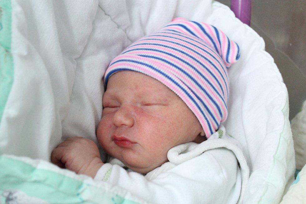 Rodičům Barboře Prchalové a Jiřímu Caklovi z Kamenického Šenova se v pondělí 2. března ve 13:37 hodin narodil syn Jiří Cakl. Měřil 49 cm a vážil 3,28 kg.