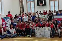 Žáci Základní školy- Praktické v Moskevské ulici si také připomněli události spojené se Sametovou revolucí formou výkladu a projekce.