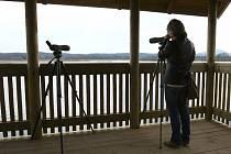 Ptačí pozorovatelna na Novozámeckém rybníku začala sloužit návštěvníkům.
