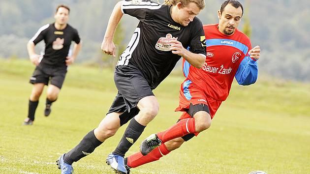 Spartak Žandov - SK Noviny 1:2 (1:0). Žandov neuspěl, poprvé v sezoně prohrál.
