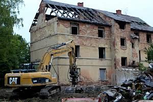 Ruina šla k zemi na konci září.