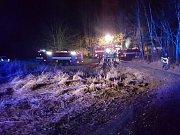 Noční požár chatek v areálu bývalého dětského tábora Dakota poblíž Bezdězu