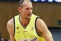 LUBOŠ BARTOŇ. Českolipský rodák, hráč Barcelony, je momentálně největší hvězdou české basketbalové reprezentace.