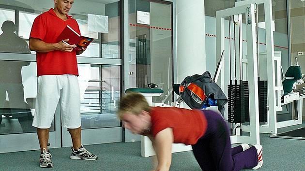 Petr Vaněk je trenér, který připravuje nejen členy policie či armády na fyzické testy, ale pomůže i s redukcí tuku.