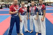 Sport Relax. Zleva: trenér Znamenáček, Znamenáčková, Samek, Bělohlavová.