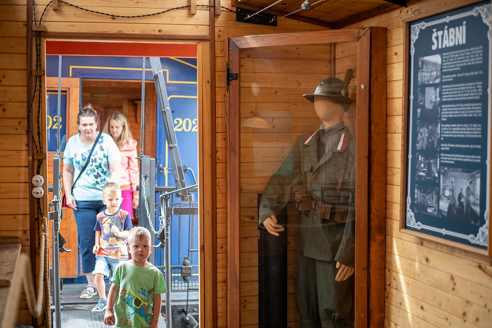 Speciální souprava ukáže vagóny, ve kterých před 100 lety žili legionáři.