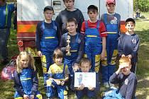 Mladí hasiči z SDH Doksy.