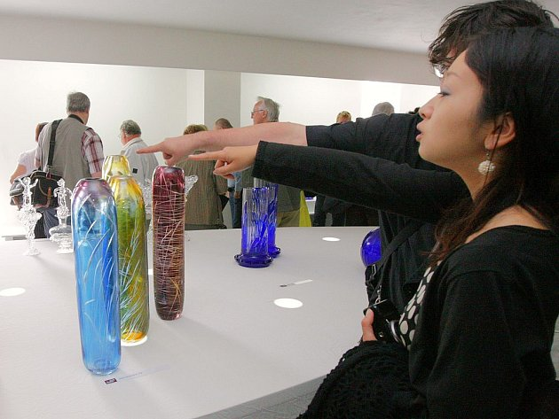 Mezinárodní sklářské sympozium IGS 2009 v Novém Boru vyvrcholilo vernisáží uměleckých děl, která vznikla během akce.