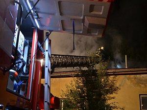 Požár průmyslového objektu v Novém Boru.