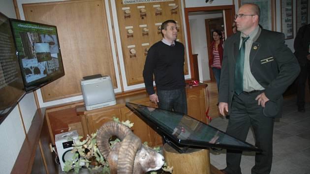 Audiovizuální zlepšovák pro snadnější orientaci návštěvníků bývalého vojenského prostoru Ralsko mají od úterý v informačním centru VLS v Hradčanech.