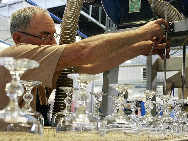 Podnik, který vyrostl na troskách někdejšího sklářského gigantu Crystalex, obnovil výrobu v lednu 2010.