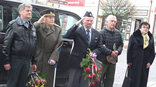 Tradiční akce, v rámci které Česká Lípa připomíná odkaz prvního československého prezidenta Tomáše Garrigue Masaryka, jehož jméno nese i hlavní českolipské náměstí, proběhla ve čtvrtek odpoledne.