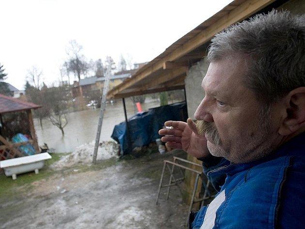 Déšť a tající sníh zvyšoval v sobotu  hladiny některých řek a potoků na Českolipsku.