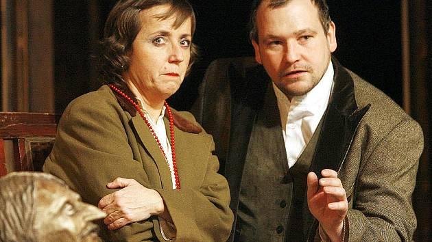 V hlavních rolích diváci uvidí Barboru Hrzánovou a Marka Taclíka.