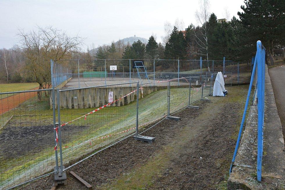 Stavební ruch zde neutichá ani o víkendech. Jeden z nejrozsáhlejších projektů modernizace školy v Libereckém kraji probíhá v ZŠ na sídlišti Lada v České Lípě.