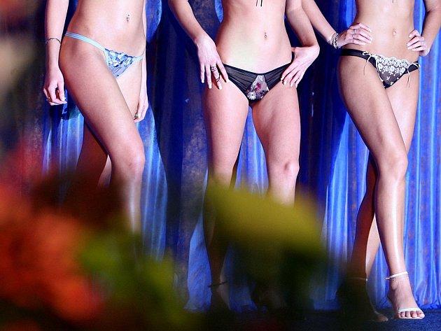 Tanga jsou sexy, ale jejich časté nošení může způsobit problémy.