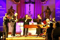 Soubor Musica Florea, který v roce 1996 vydal desku věnovanou strážskému rodáku H. I. Biberovi, zahrál v pátek večer v kostele sv. Zikmunda ve Stráži pod Ralskem v rámci festivalu Lípa Musica.