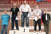Členové SK Metalpower mají za sebou velmi úspěšné období. Nejvýraznější postavou novoborského klubu je Václav Češka (uprostřed).