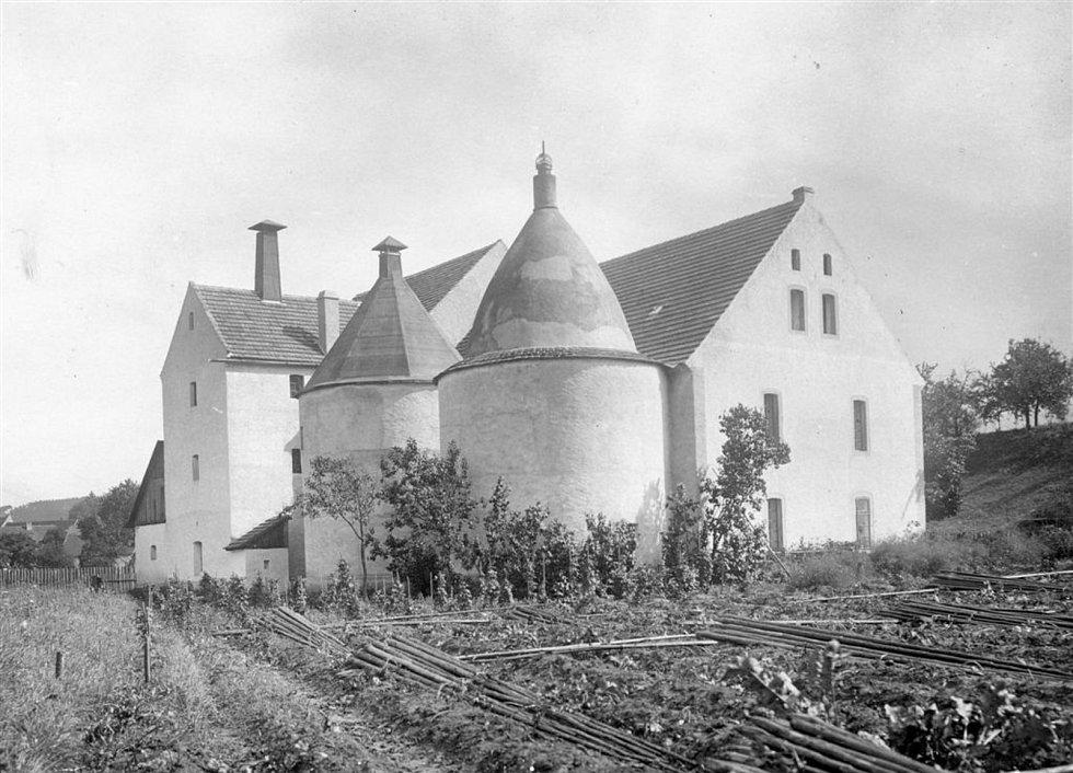 Sušárna na začátku 20. století.