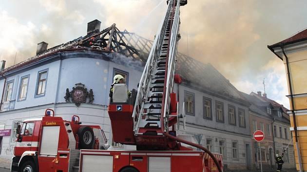 Požár domu v centru České Lípy.