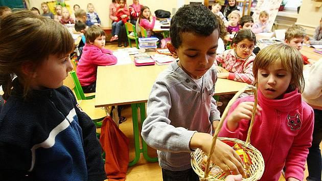 Dne otevřených dveří na ZŠ Dr. Miroslava Tyrše v České Lípě využili předškoláci z MŠ Arbesova a školu si důkladně prohlédli.