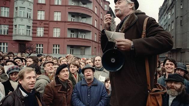 Ladislav Lis jako autor zdravice z předvolební kampaně do Senátu.