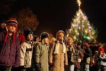 Českolipská města rozsvítí svou vánoční výzdobu v pátek a během víkendu.