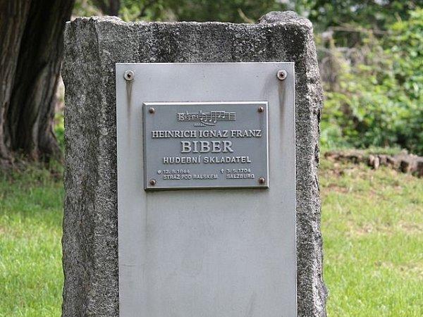 Biberův pomník ve Stráži pod Ralskem