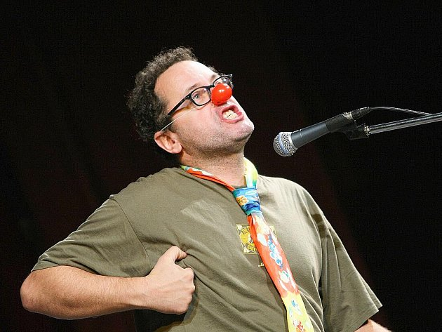 Jiráskovo divadlo bouřilo při vystoupeních komiků, kteří si přijeli dělat legraci ze všech a ze všeho.
