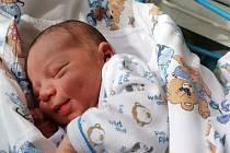 Rodičům Lucii a Lukášovi se v pondělí 5. května narodil syn Vítek Kračmar. Doma se na něj těšili bráška Vojtíšek i babička s dědou Bašovi.