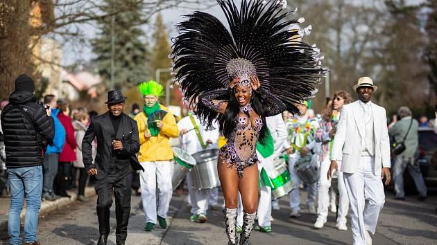 Masopust v duchu brazilského karnevalu v Novém Boru.