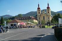 Vzáří se Roska Česká Lípa, spolu se spřátelenou Roskou Liberec, zúčastnila víkendového rekondičního pobytu vklášteře Mezinárodního centra duchovní obnovy vHejnicích.