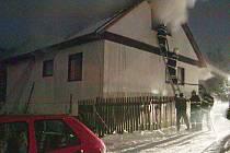 Plameny způsobily na domě škodu za půl milionu korun.