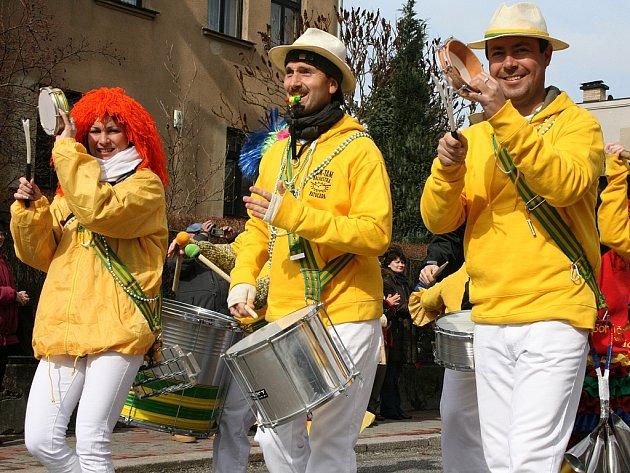 O brazilské rytmy se během novoborských oslav postará skupina Tam Tam Batucada.
