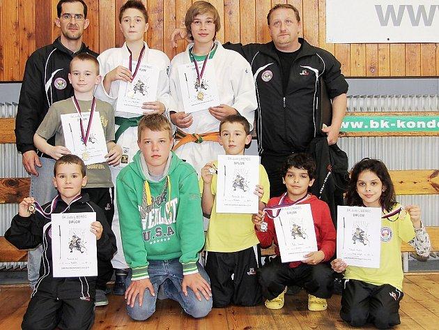Výprava judistů Lokomotivy vedená trenéry Janem Moravíkem a Michael Vydrou byla v Liberci nadmíru úspěšná.
