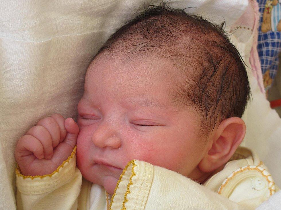 6.Mamince Marii Rohlíčkové z Kravař v Čechách se 10. září ve 21:09 hod. narodila dcera Michaela Zásmětová. Měřila 50 cm a vážila 3,2 kg.