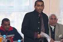 Práci Agentury pro sociální začleňování, Rady vlády pro záležitosti romské menšiny i krajských koordinátorů národnostních menšin kritizovali Romové na nedělním setkání v Novém Boru na Českolipsku.