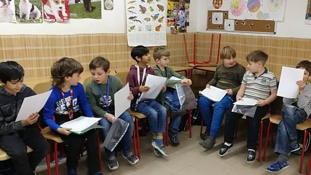 30. ledna si žáci odnášeli domů svá pololetní vysvědčení. Nejinak tomu bylo i u druháčků ZŠ Dubá.
