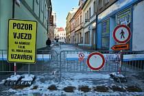 Uzavírka na náměstí v České Lípě.
