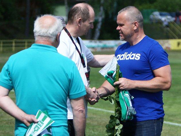 Vladimír Jeníček se rozloučil s klubem a fanoušky FC Nový Bor výhrou svého týmu 4:3 nad Baníkem Souš.