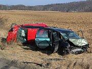 Policisté vyšetřují příčinu nehody.