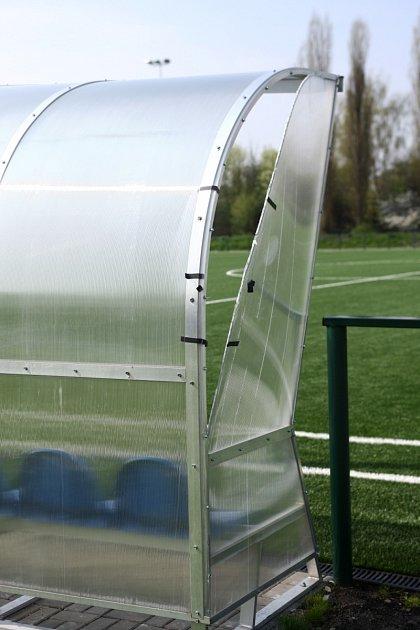 Na novém fotbalovém hřišti vČeské Lípě řádili vandalové. Už podruhé.