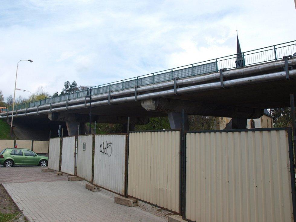 Zahájení rekonstrukce mostu překlenujícího Moskevskou ulici v České Lípě začíná.