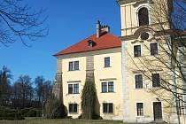 Valdštejnský zámek v Doksech.