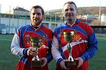 Nejlepším střelcem dlouhodobého turnajového klání se stal kapitán skalického týmu Lukáš Martínek (na snímku vlevo, vedle Martina Hlavinky).