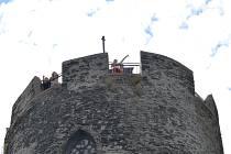 Pět z osmi státních hradů a zámků v Libereckém kraji od nové sezony zdraží vstupné. Změna se týká i Bezdězu, kde bude nově vstupné stát 80 Kč (dosud 70).