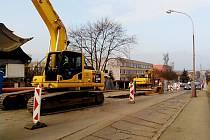 Dopravní omezení potrvá v ulici 5. května až do poloviny roku.