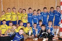 Společná fotka malých talentovaných fotbalistů Žandova a Teplic.